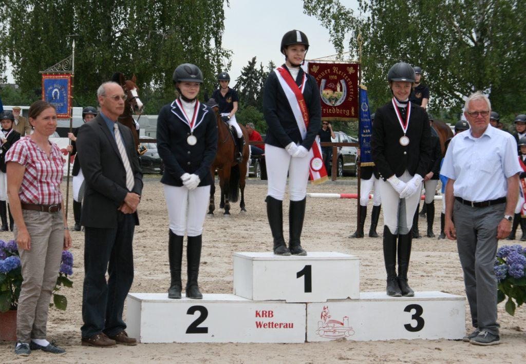 Marie Dousa Vizekreismeister Junior Cup Springen
